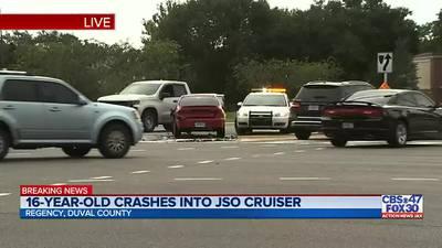16-year-old crashes into JSO cruiser